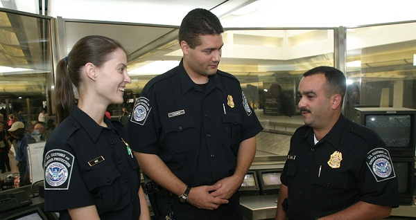 U.s Immigration Officer The Day US Immigration...
