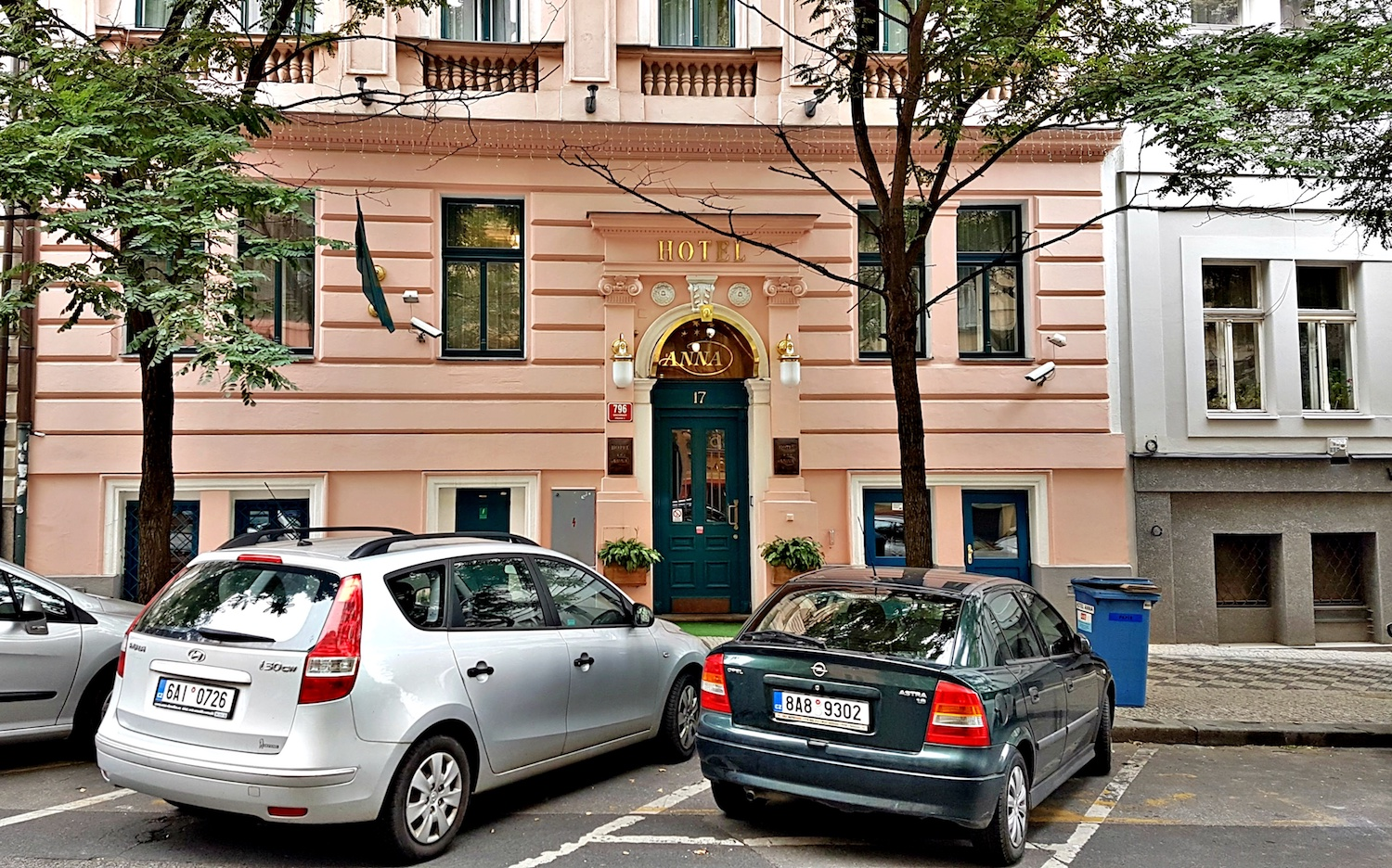 Small hotels in prague hotel anna a review wandering for Hotels in prague 1