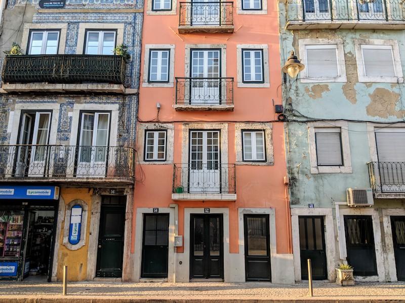 Local Travel Experiences - neighborhoods